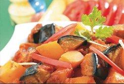 Aubergine & potatoes in sauce